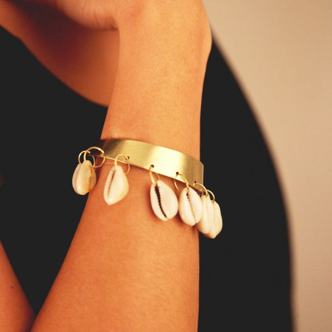Graos plan bracelet cauri carré